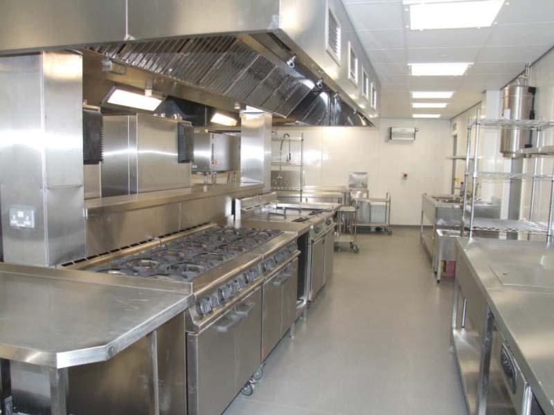 Không gian các thiết bị bếp nhà hàng inox